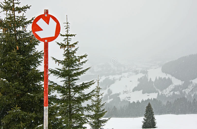 Bahn des alpinen Skifahrens lizenzfreies stockfoto