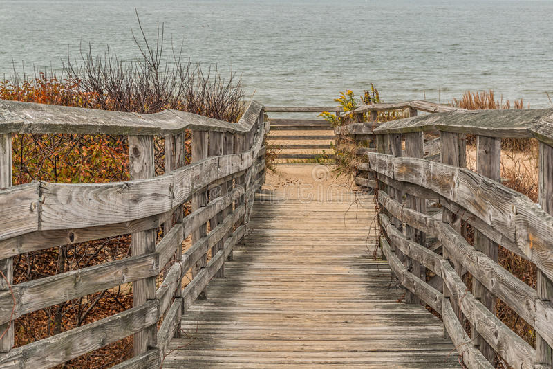 Bahn für Zugang zum Strand am ersten Landungs-Nationalpark lizenzfreies stockfoto