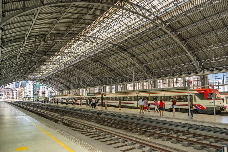 Bahnhof Bilbaos stockbilder