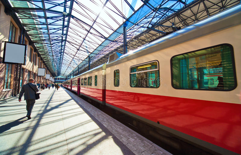 Bahnhof in Helsinki Finnland lizenzfreie stockfotografie