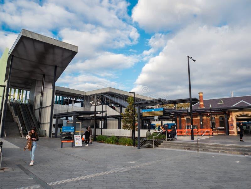 Bahnhof Ringwood in der Stadt von Maroondah in den Ostvororten von Melbourne lizenzfreie stockbilder