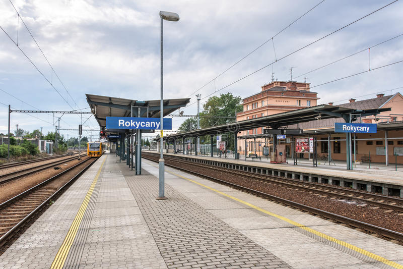 Bahnhof Rokycany in der Tschechischen Republik lizenzfreies stockfoto