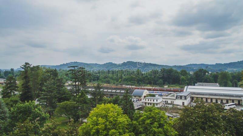 Bahnhof von Pau, von Frankreich und von Pyrenäen-Bergen lizenzfreie stockfotografie