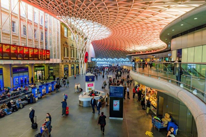 Bahnhofsinnenraum Könige Cross St Pancras lizenzfreie stockfotos