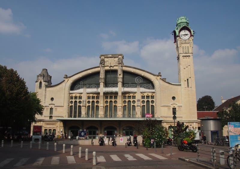 Bahnstation von Rouen lizenzfreie stockbilder