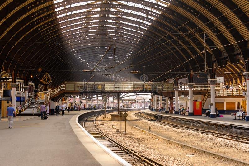 Bahnstation in York, Großbritannien stockbilder