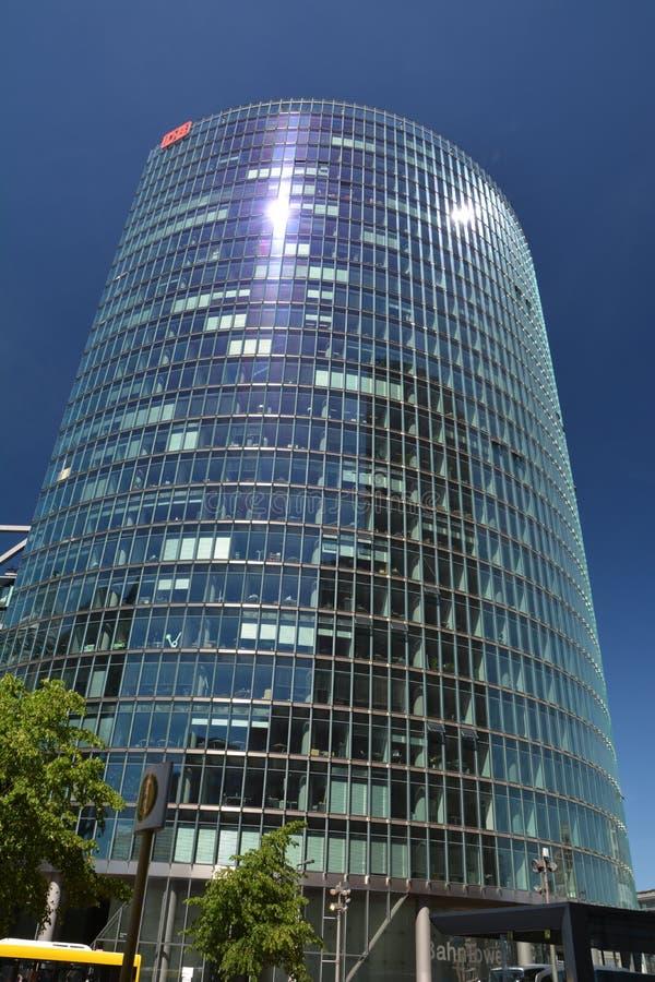 Bahntower, штабы Deutsche Bahn в Берлине на квадрате Потсдама, Potsdamer Platz, Германии стоковые изображения rf