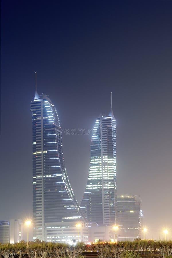 Bahrain-Finanzhafen - Nachtszene stockfotos