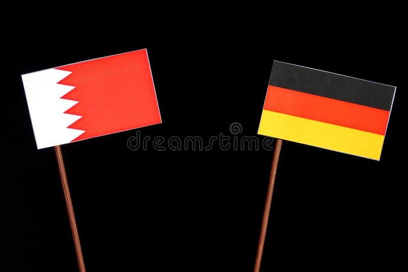 Download Bahrain-Flagge Mit Der Deutschen Flagge Lokalisiert Auf Schwarzem Stockbild - Bild von mitarbeit, regierung: 96933457