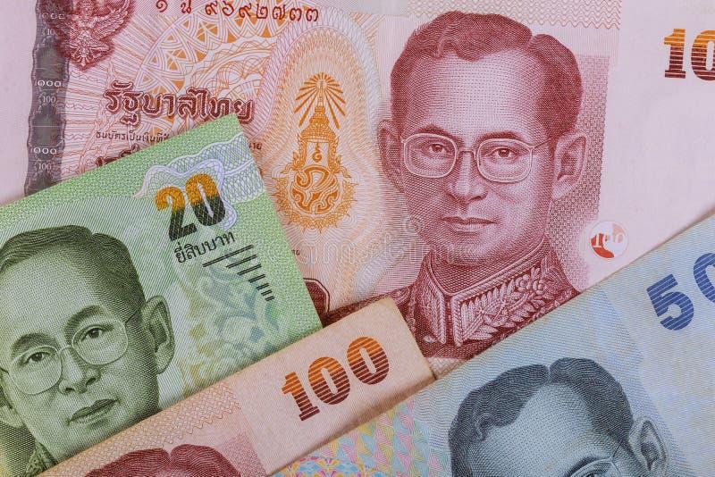 Baht de los billetes de banco desarrollo econ?mico y comercio de Tailandia foto de archivo libre de regalías