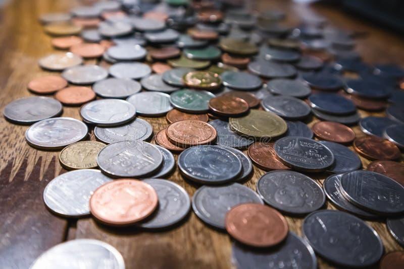 Baht tailandese delle monete immagini stock libere da diritti