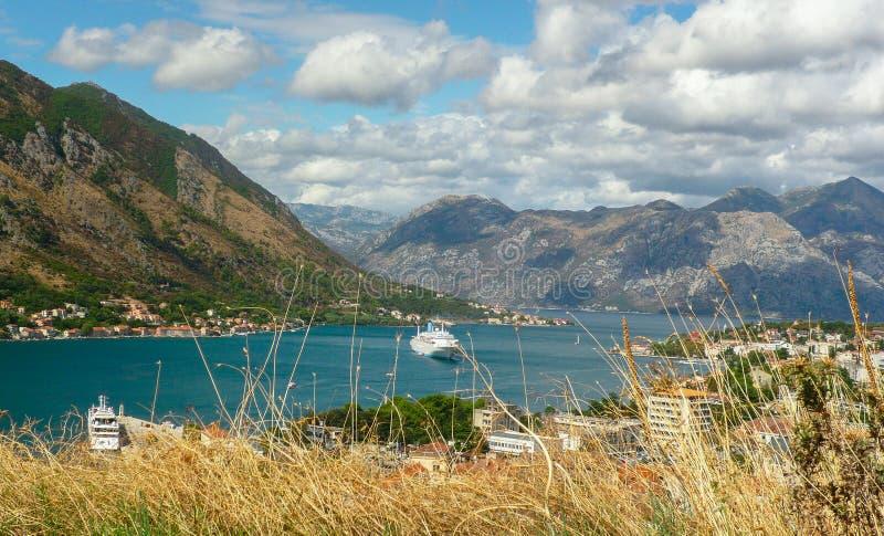 Baia in Cattaro Montenegro immagini stock