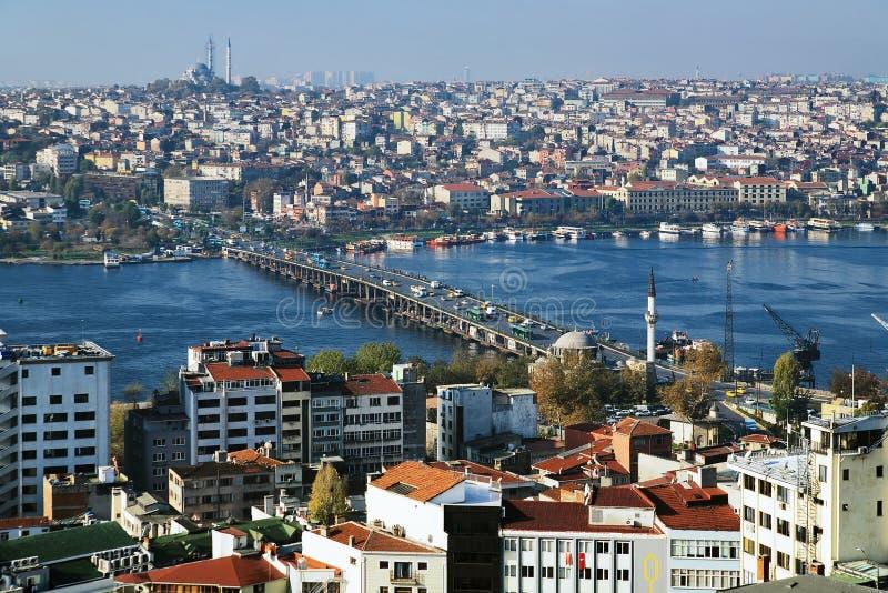 Baia del corno e ponticello dorati di Ataturk a Costantinopoli immagini stock