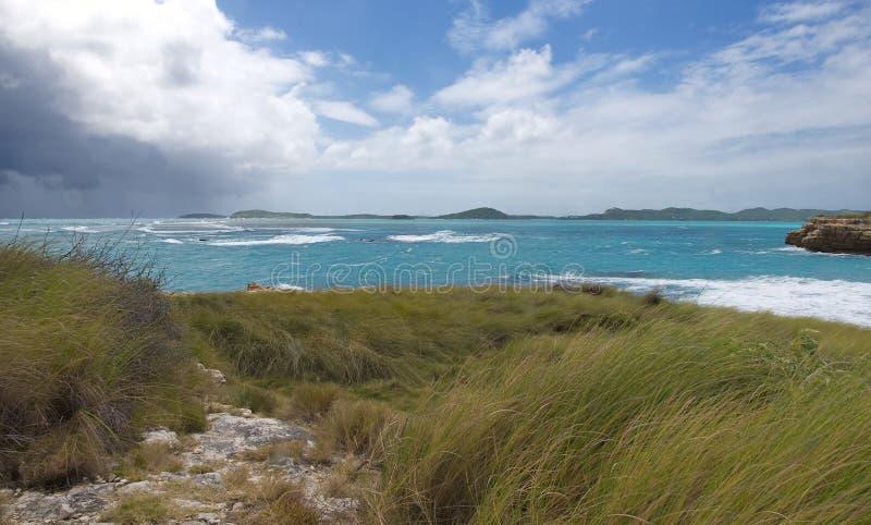 Baia del ponte del ` s del diavolo - Antigua e Barbuda marino caraibico immagini stock libere da diritti