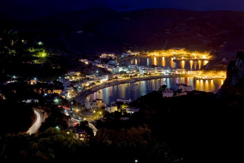 Baia di Kapsali alla notte fotografie stock libere da diritti