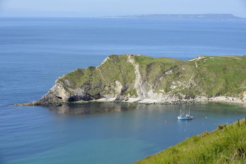 Download Baia di Lulworth fotografia stock. Immagine di baia, seaside - 56889656