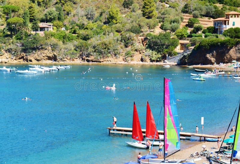 Baia di Portoferraio, vista panoramica e barche, Elba Island fotografia stock