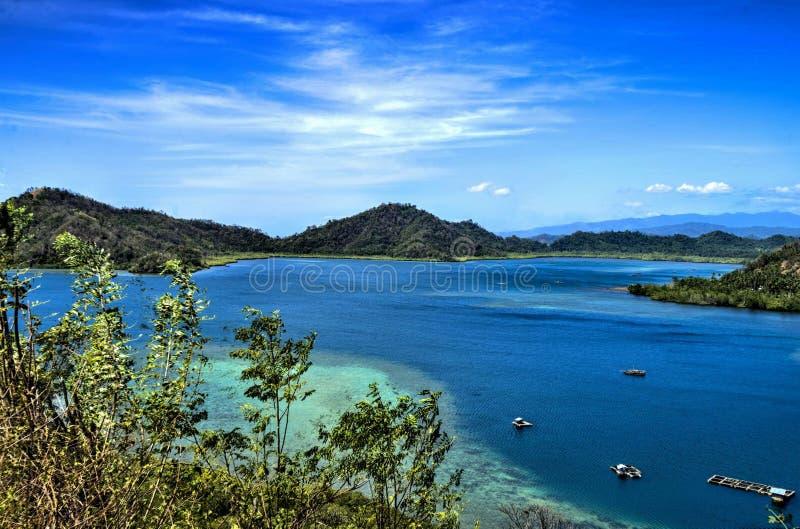 Baia di Tomini, Sulawesi del nord, Indonesia fotografia stock libera da diritti