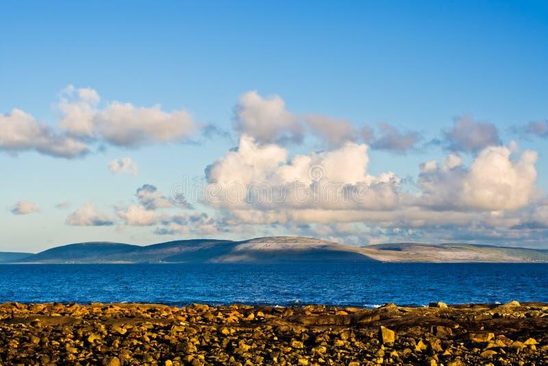 Baia e Burren del Galway fotografia stock libera da diritti