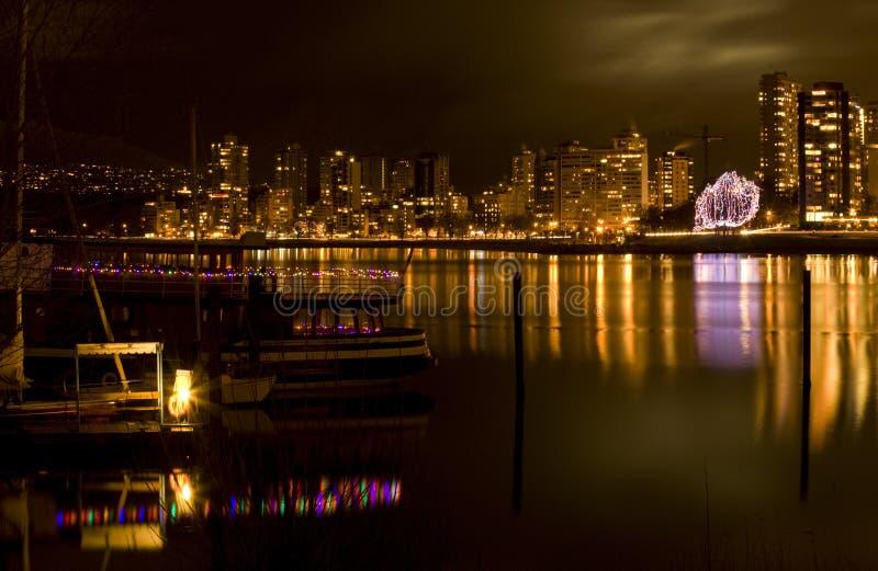 Baia inglese Vancouver, BC alla notte immagine stock