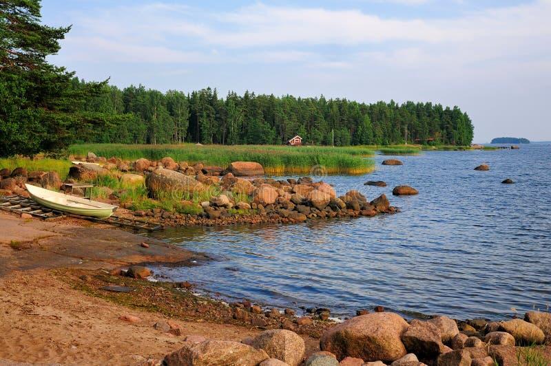 Baia sul litorale finlandese fotografia stock