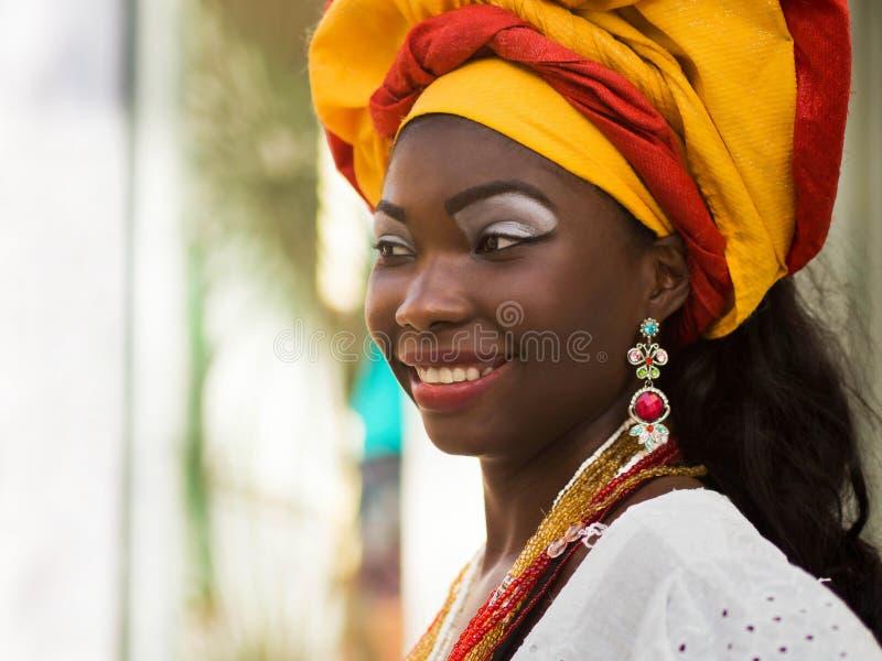 Baiana, Braziliaanse Vrouw kleedde zich in Traditionele Kledij stock foto