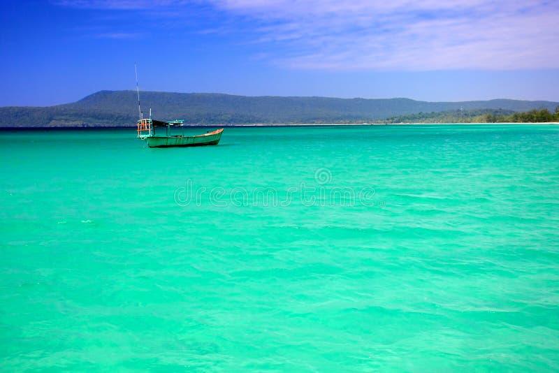 Baie azurée, île de lagune de Koh Rong, Cambodge. photographie stock