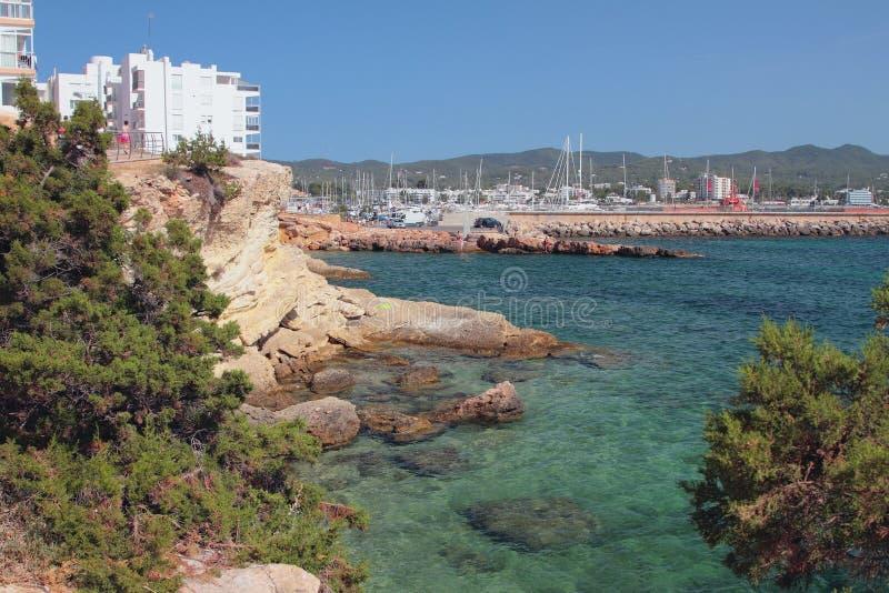 Baie Blanques della baia San Antonio, Ibiza, Spagna fotografie stock libere da diritti