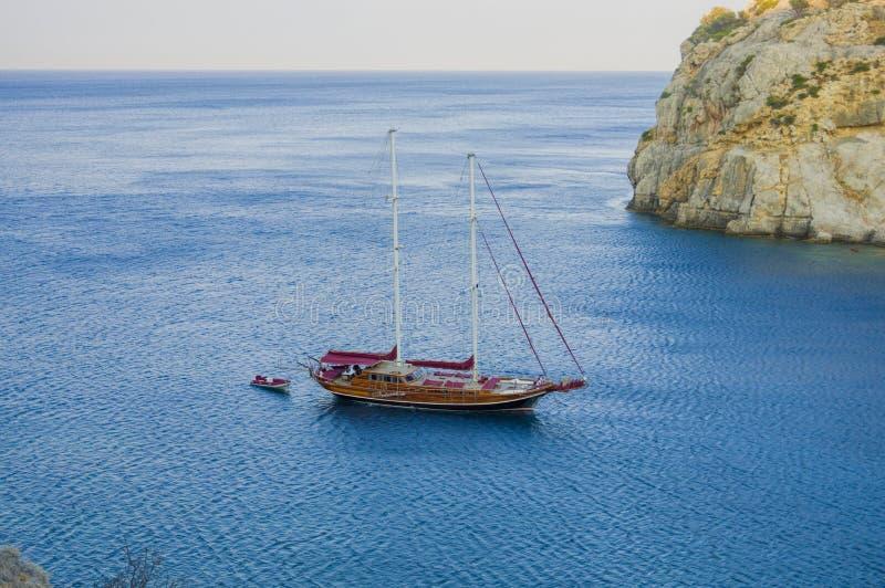 Baie dans Faliraki Rhodes images libres de droits