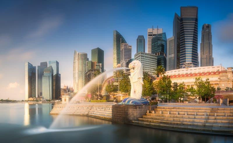 Baie de district des affaires et de marina à Singapour photographie stock