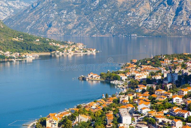 Baie fantastique Boka Kotorska de Kotor de port de vue Station de vacances célèbre Monténégro, Balkans, l'Europe d'emplacement Ca images libres de droits