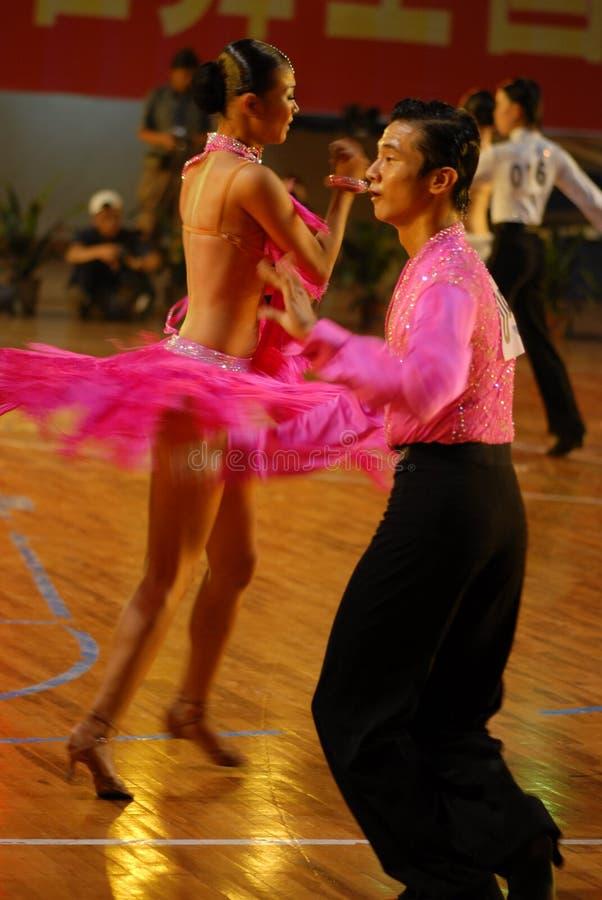 Baigné dans le ressortissant de danse de norme internationale de la sueur-Chine Nan-Tchang ouvert images stock