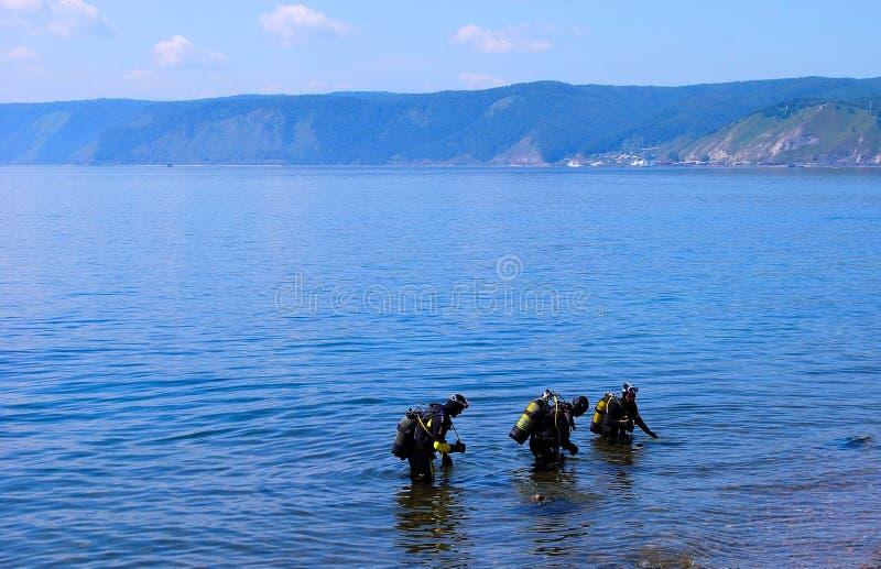 Download Baikal λίμνη στοκ εικόνες. εικόνα από ορίζοντας, κατάδυση - 13185230