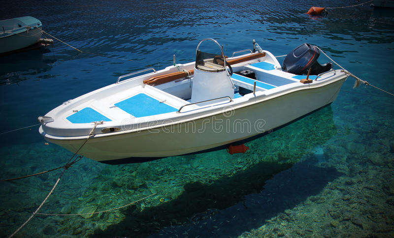 baikal πανοραμική όψη μηχανών λιμνών βαρκών στοκ εικόνα