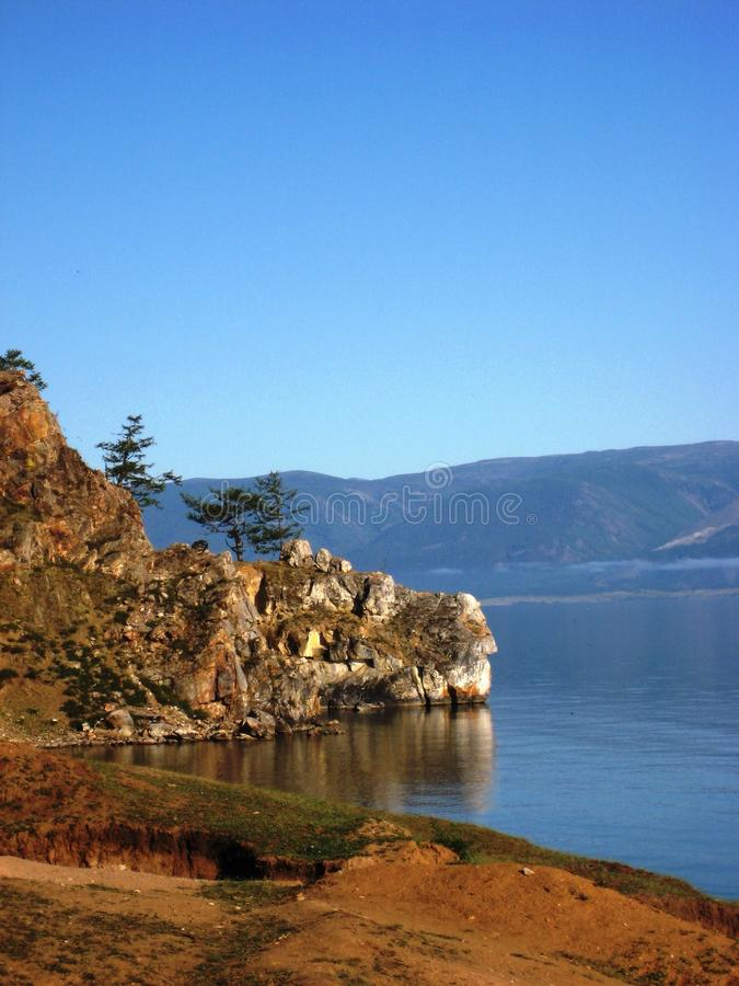 Download Baikal foto de archivo. Imagen de montaje, baikal, acantilado - 44854624