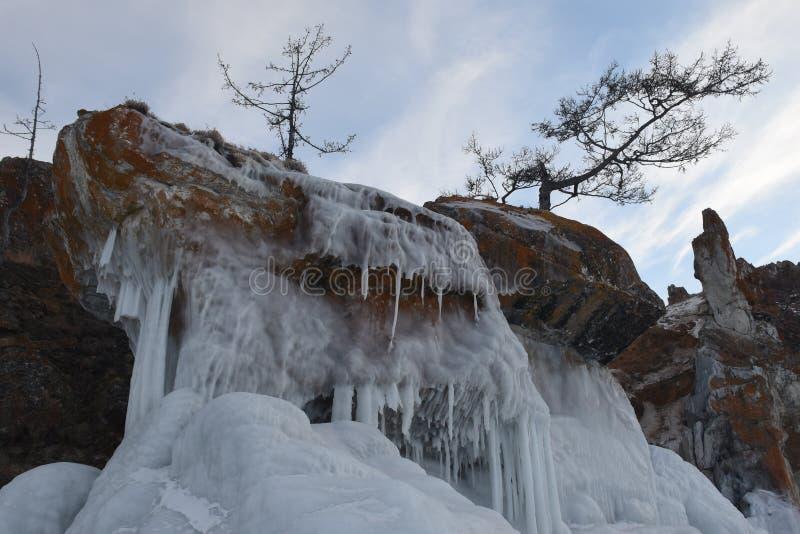 Baikal nell'inverno Ghiaccio e natura di Baikal Febbraio 2018 immagini stock libere da diritti