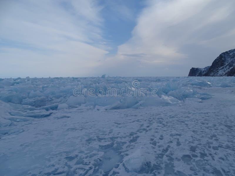 Baikal nell'inverno Posti misteriosi fotografia stock