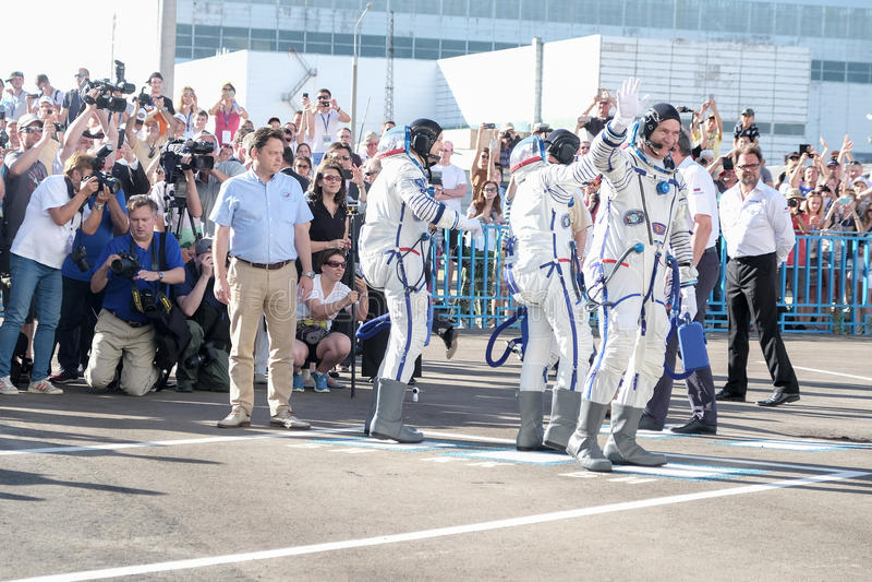 BAIKONUR, KAZACHSTAN - JULE, 28: de echte Astronauten, astronauten worden gestuurd naar ISS op een Russische ruimteraket randolph stock foto's