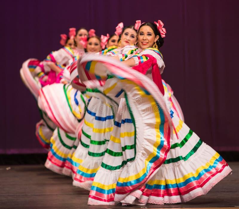 Bailado folclo'rico de México fotos de stock