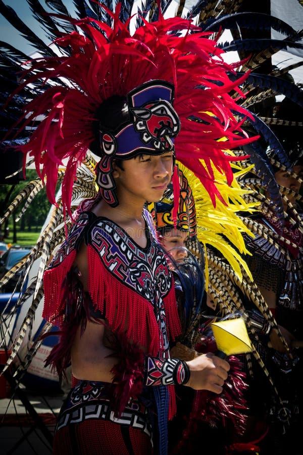Bailarín azteca imágenes de archivo libres de regalías