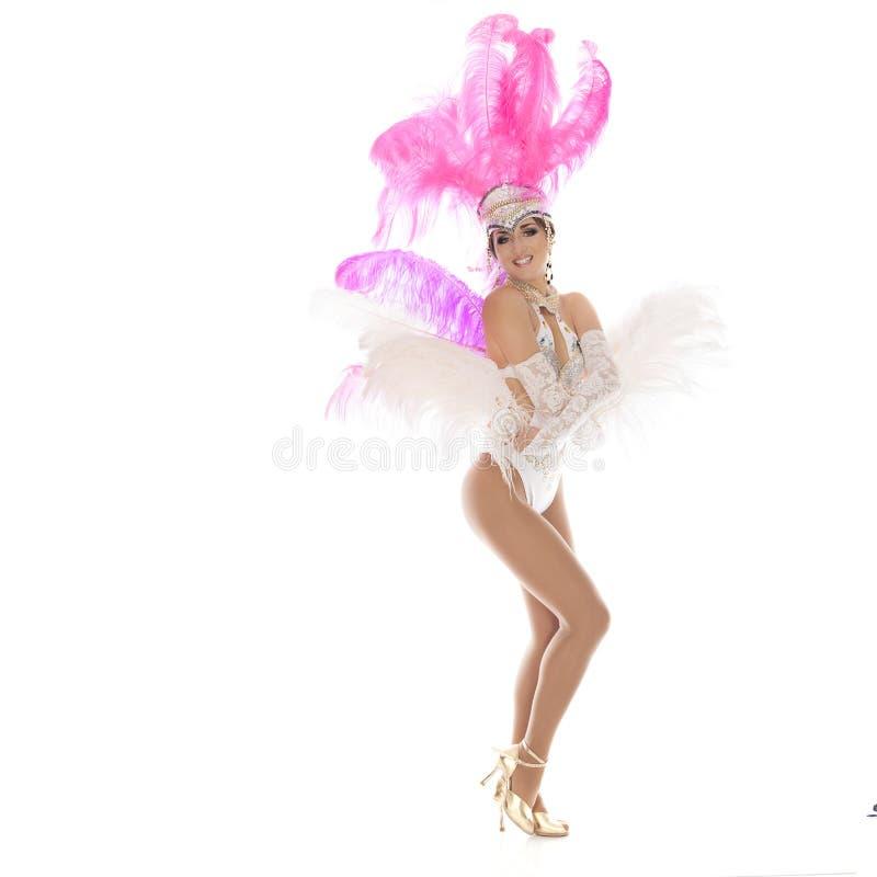 Bailarín burlesco en el vestido blanco con plumaje rosado imagen de archivo libre de regalías