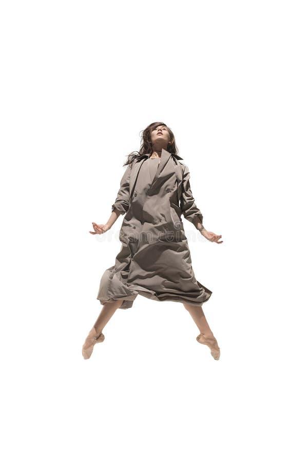 Bailarín de ballet de sexo femenino joven delgado hermoso del estilo contemporáneo del jazz moderno foto de archivo