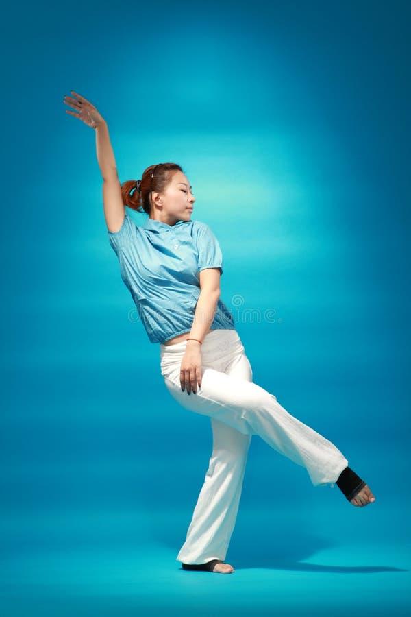 Bailarín de sexo femenino imagen de archivo libre de regalías
