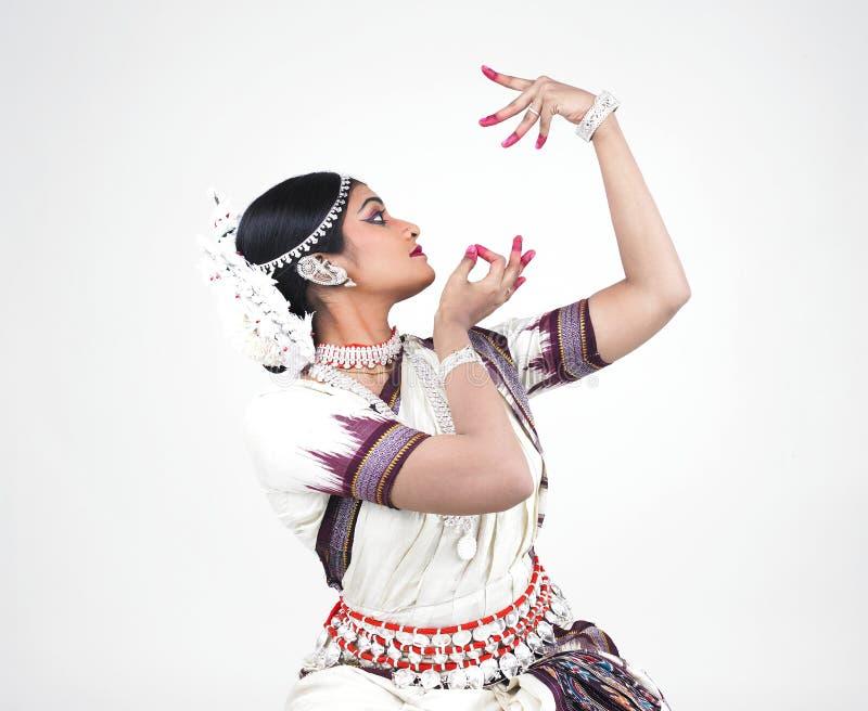 Bailarín de sexo femenino indio clásico fotografía de archivo
