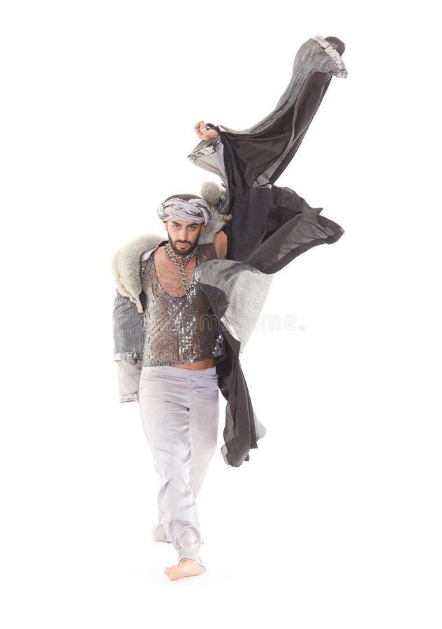 Bailarín de sexo masculino en traje oriental foto de archivo libre de regalías