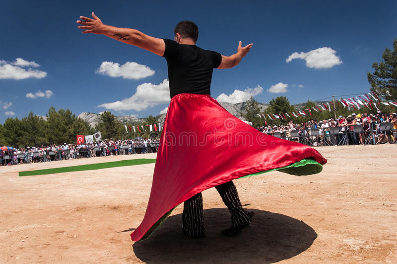 Bailarín de sexo masculino en Turquía fotografía de archivo libre de regalías