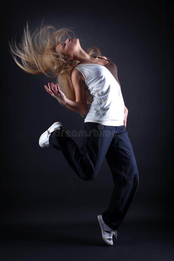 Bailarín moderno de la mujer foto de archivo libre de regalías