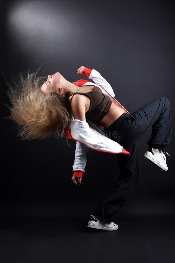 Bailarín moderno de la mujer joven fotografía de archivo libre de regalías