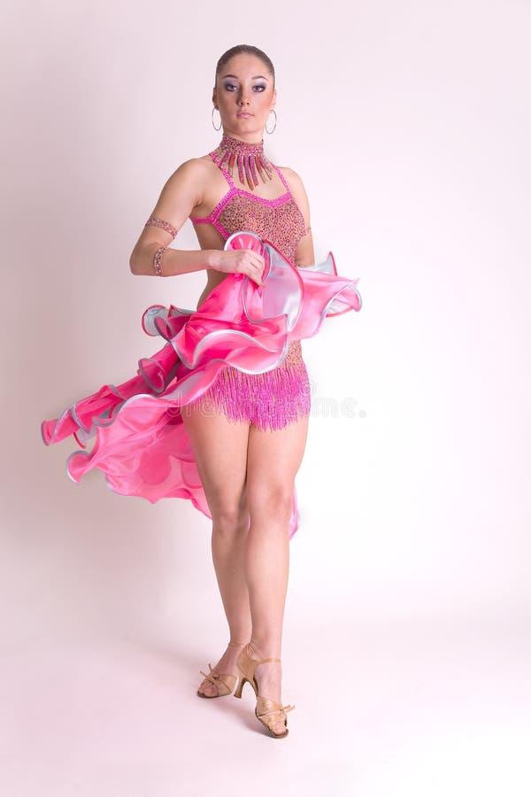 Bailarín profesional en el movimiento
