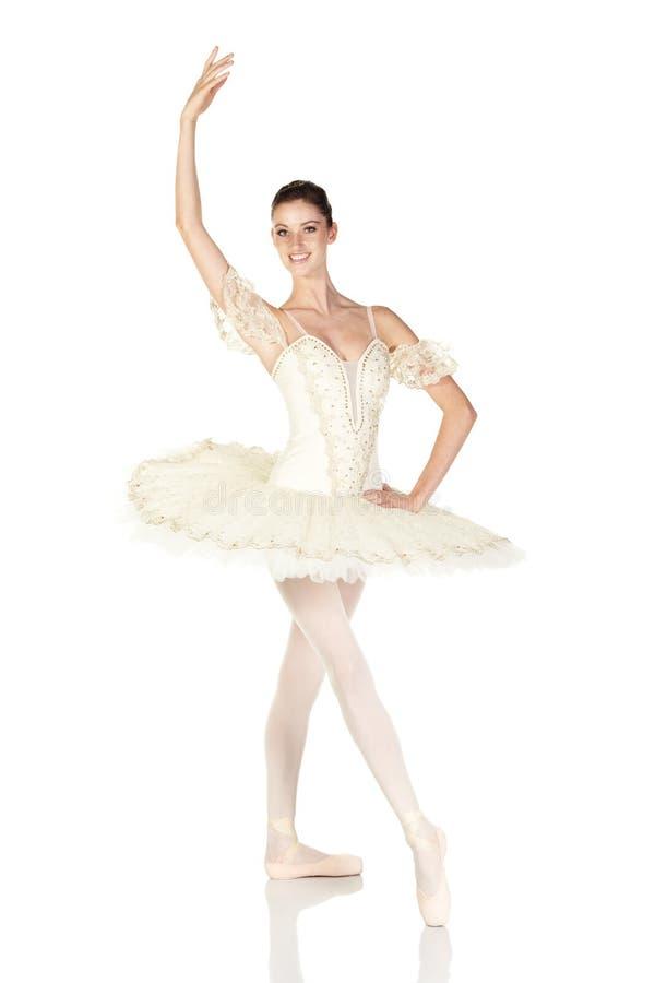 Download Bailarina caucasiano nova imagem de stock. Imagem de ponto - 10064759